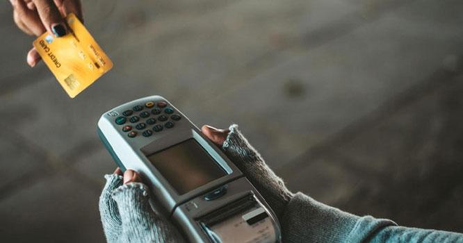 فقیر اب یہاں تک بھی پہنچ گئے ۔۔۔ فقیروں کا نیا انداز ۔۔وٹس ایپ پر بھیک مانگنے لگے