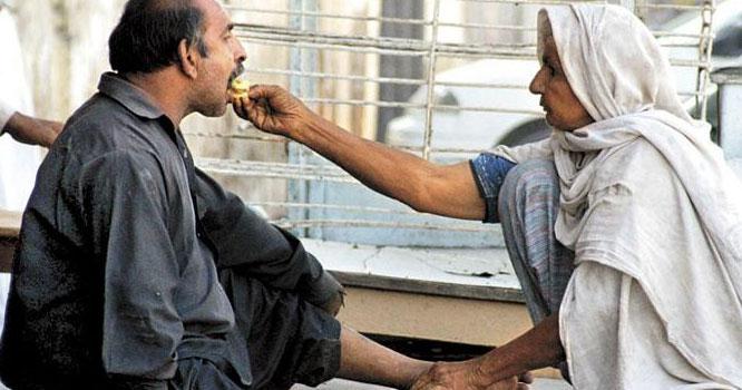اللہ کھلاتاہے توہم کھاتے ہیں