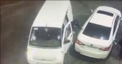 پٹرول بھرنے والے شخص نے کیا کیا، کہ 3 لٹیرے سر پر پیر رکھ کر بھاگ اٹھے (ویڈیو)