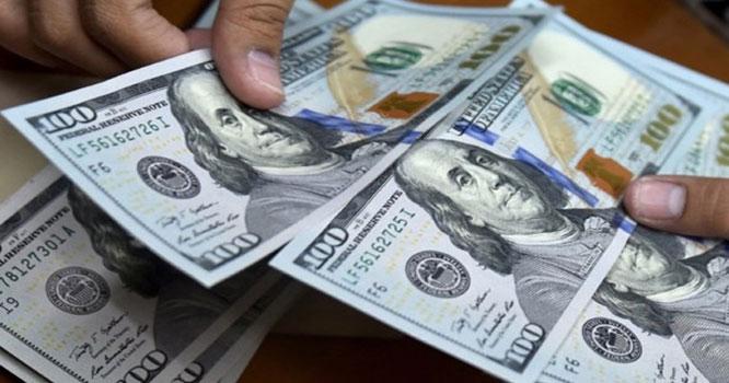 روپیہ کمزور اور ڈالر مزید تگڑا ہوگیا۔۔۔!!! ڈالر کی اونچی اڑان ، تاریخ کی بلند ترین سطح پر پہنچ گیا