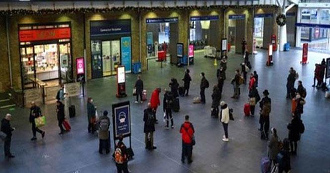 برطانیہ میں ک و ر و ن ا پابندیاں اٹھا لی گئیں، حکومتی فیصلے پر شدید تنقید جاری