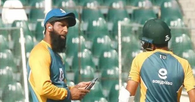پاکستان کرکٹ ٹیم کے سابق کپتان محمد یوسف کورونا وائرس کا شکار ہوگئے