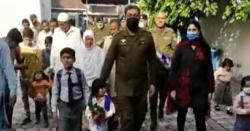 شہید پولیس اہلکار کی بیٹی کا سکول میں پہلا دن  لاہور پولیس کی جانب سے پروٹوکول، ویڈیو سامنے آگئی